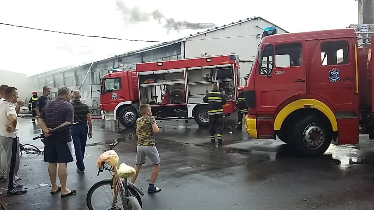 "Gori fabrika nameštaja ""Mita"" u Leskovcu"