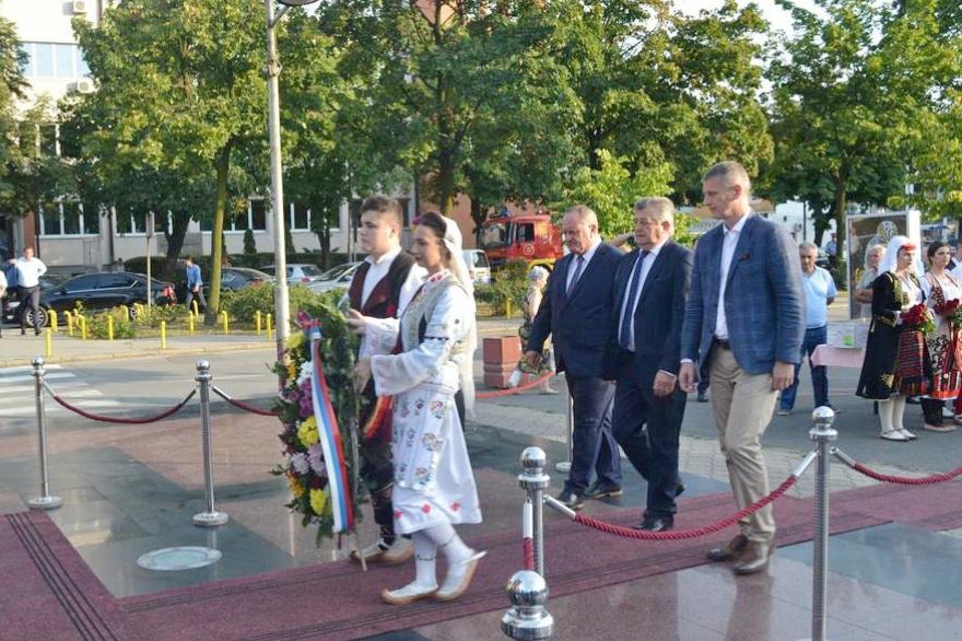 Gradonačeknik Leskovca bio kum na slavi u Bijeljini