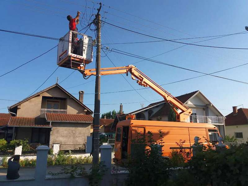 Tri ulice u Vlasotincu sutra bez struje