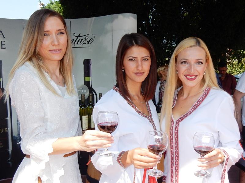 Na Vinskom balu u Vlasotincu i najveći proizvođači u Evropi (VIDEO)