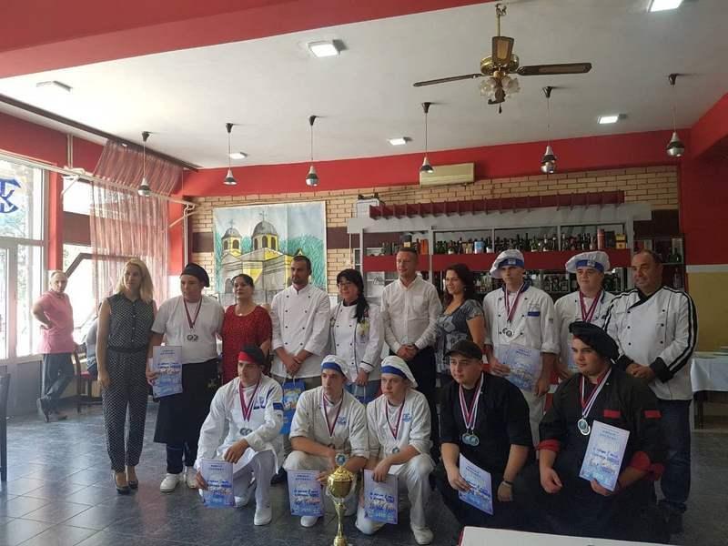 Leskovački učenici odneli pobedu u pripremanju roštilja