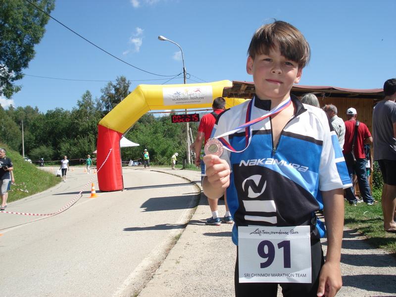 Novak Stojiljković pobednik međunarodnog triatlona na Vlasini u mlađoj kategoriji