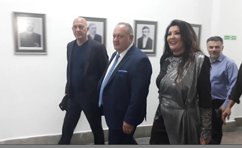 Leskovac u KOLAPSU Dragana Mirković stigla na Roštiljijadu (VIDEO)
