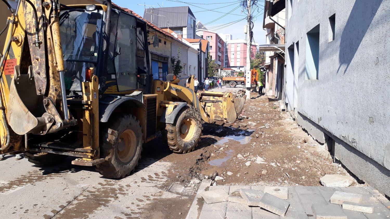 Novi trotoari u Deligradskoj, ubrzo uređenje i prostora oko pošte
