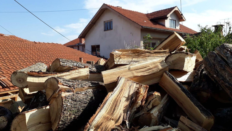Iako su poskupela drva Leskovačanima i dalje najbolja za ogrev