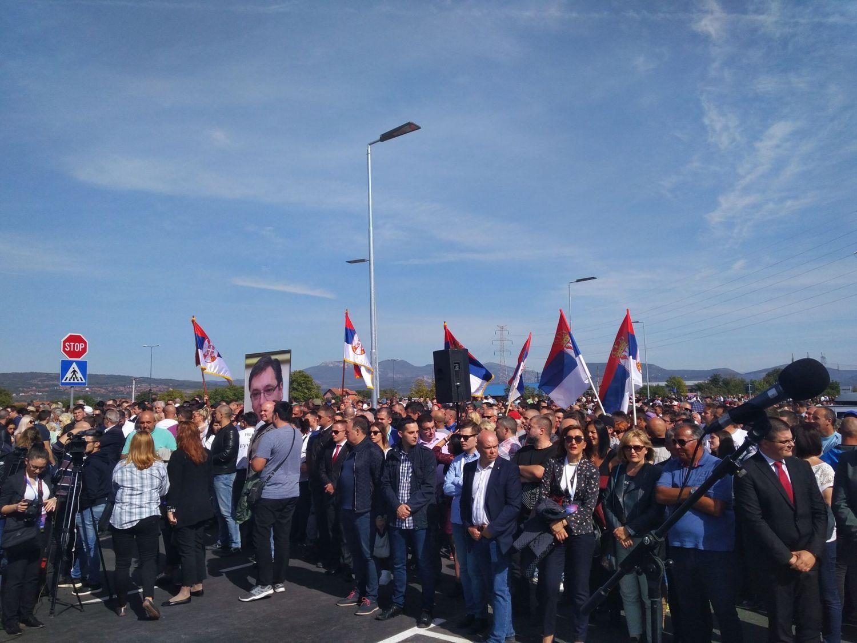 Vučić stigao u Niš, pljušte obećanja i aplauzi (VIDEO)