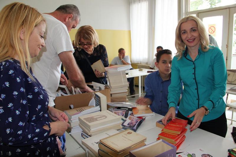 Prikupljeno preko 2.000 knjiga za formiranje bolničke biblioteke