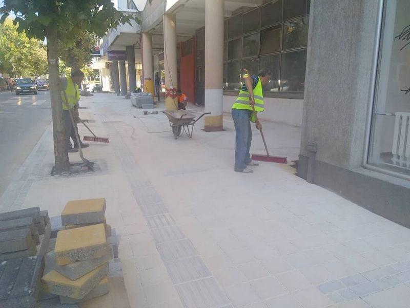 Ulica Ive Lole Ribara dobija novi izgled postavljanjem behaton ploča