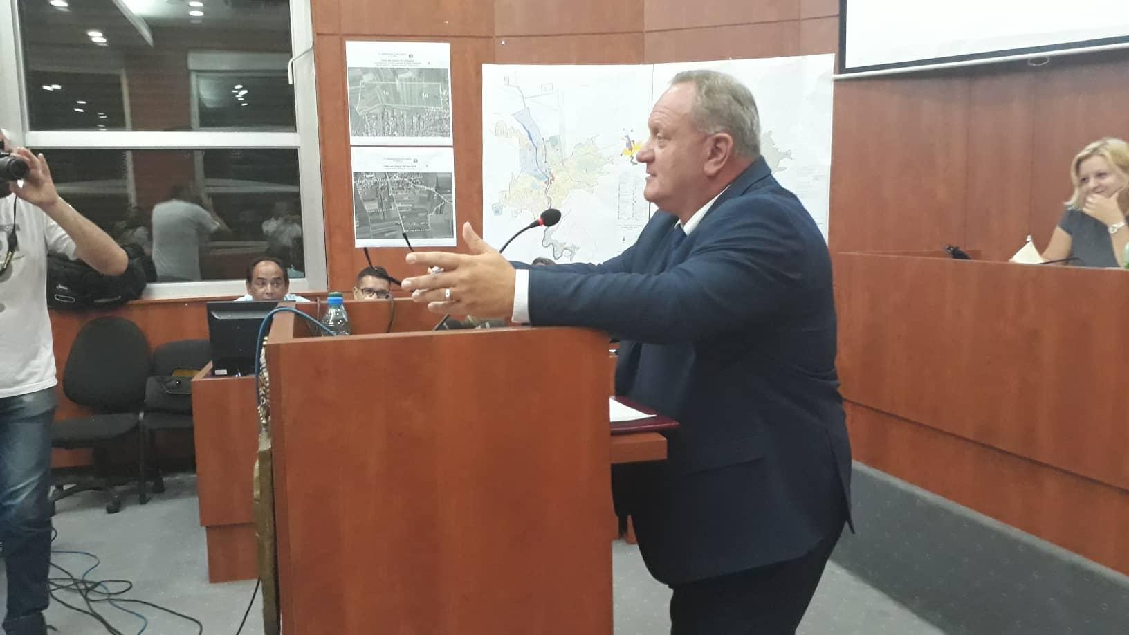 Gradonačelnik Leskovca direktorima škola: Aman, ljudi!…
