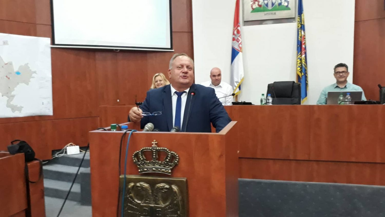 """Gradonačelnik Leskovca optužen da je ucenjivao i """"kupovao"""" glasove za podršku kandidatima iz SNS-a u Romskom nacionalnom savetu"""