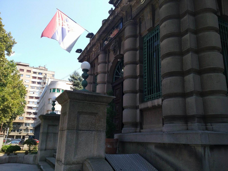 Radnici javnih preduzeća se žale da ih iz SNS-a teraju da glasaju za njih, opozicija nudi besplatnu pravnu pomoć