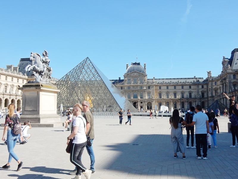 PARIZ: Grad u kome ti pripadne muka, što od lepote, a bogami i od zavisti