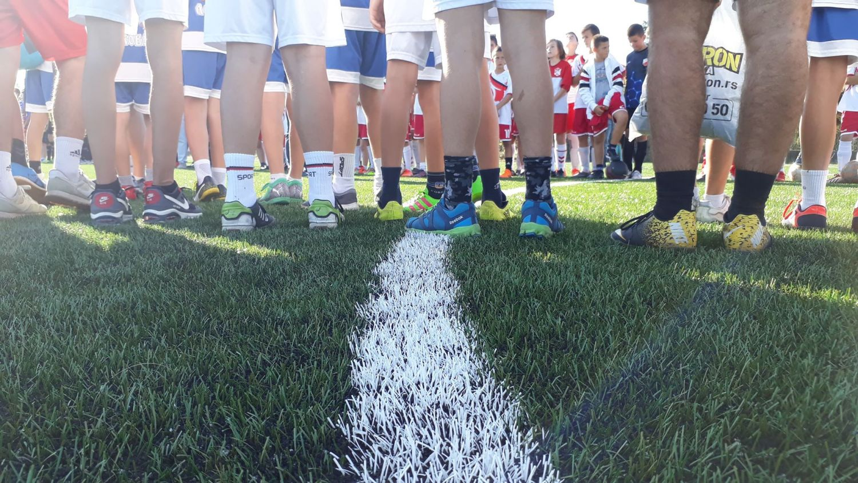 Leskovac dobio prvi fudbalski teren sa veštačkom travom