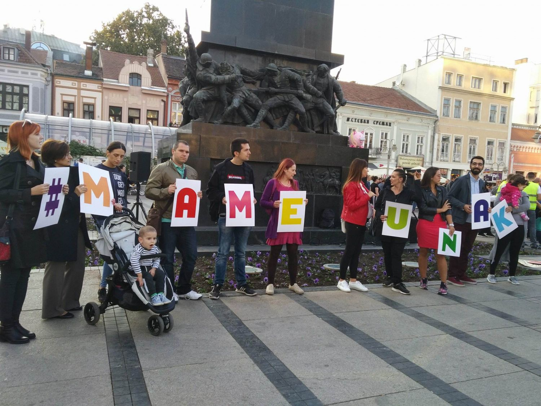 Protest mama na centralnom niškom trgu zbog lošeg zakona