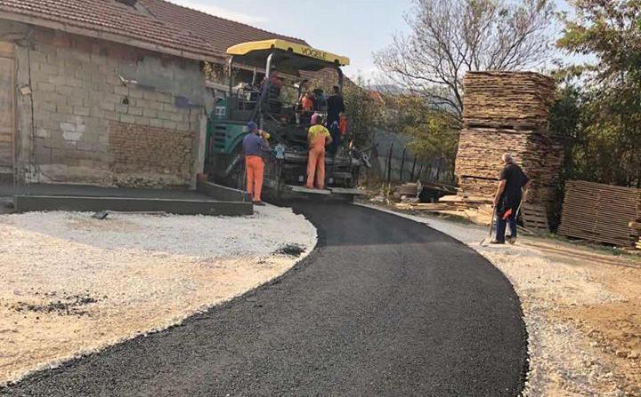 Počeli radovi na asfaltiranju puta u selu Bunuševac
