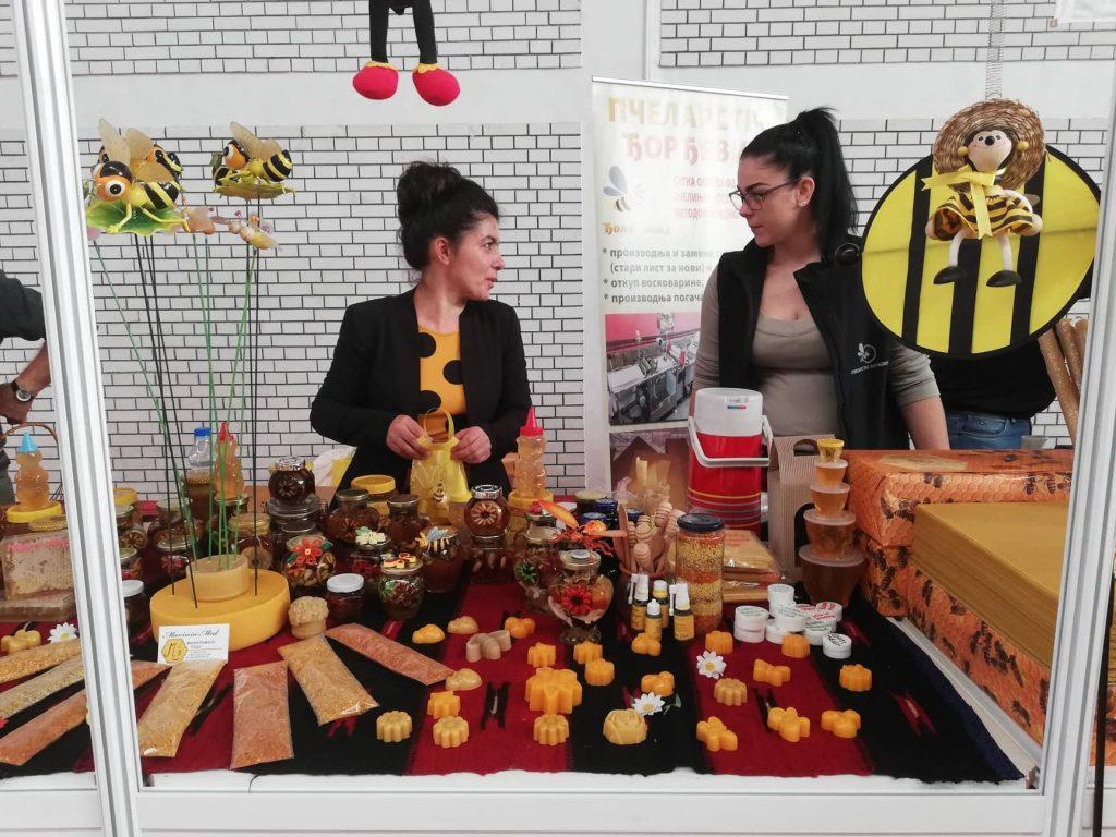 Preko 40 izlagača na prvom Festivalu meda u Medveđi