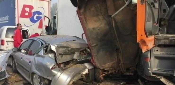 Stravična nesreća kod Jagodine, sedmoro poginulo, oko 30 povređeno, blokiran auto put Beograd – Niš
