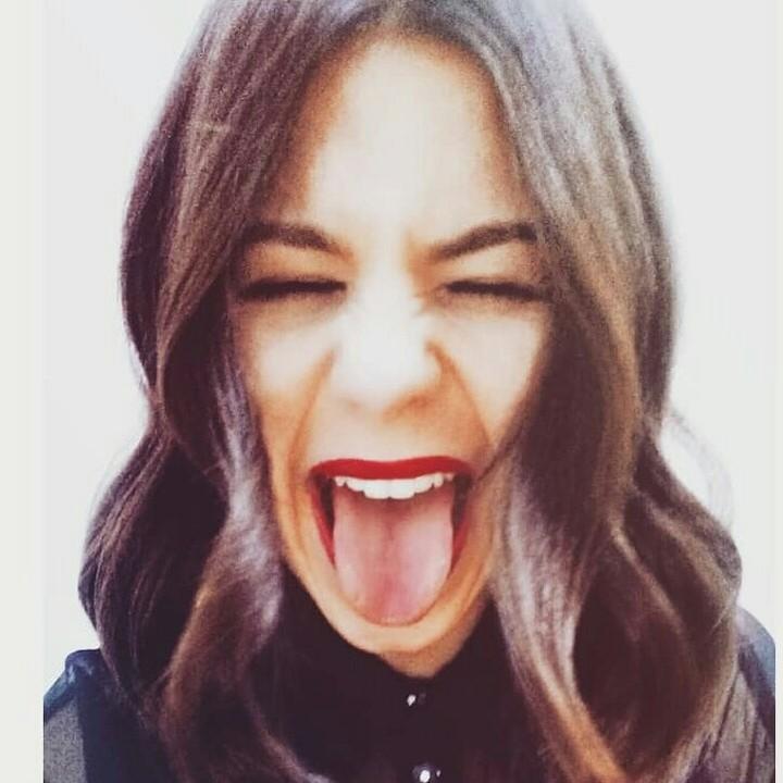 Ona je vranjanska snajka, žestoko brani južnjački dijalekat, proslavila je švalerku Pere opštinara i totalni je HIT na društvenim mrežama (VIDEO)