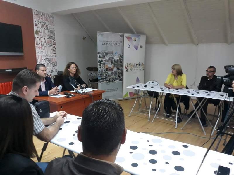 Lokalni timovi u Leskovcu i Vranju o borbi protiv trgovine ljudima