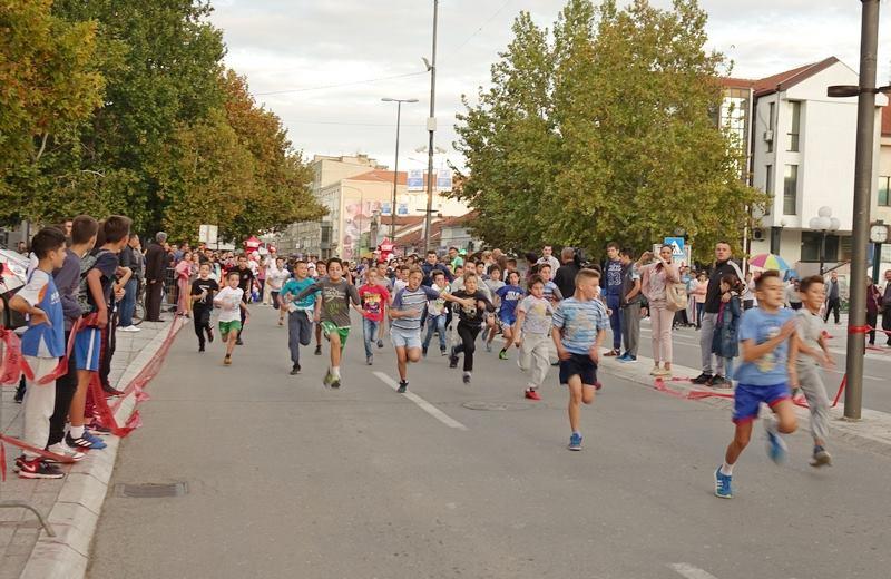 Na atletskim trkama preko 1000 dece (PROGRAM)