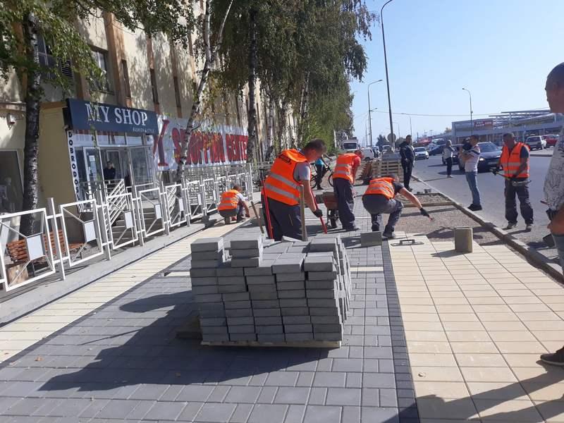 Uređuje se još jedan trotoar u ulici Kralja Petra Prvog