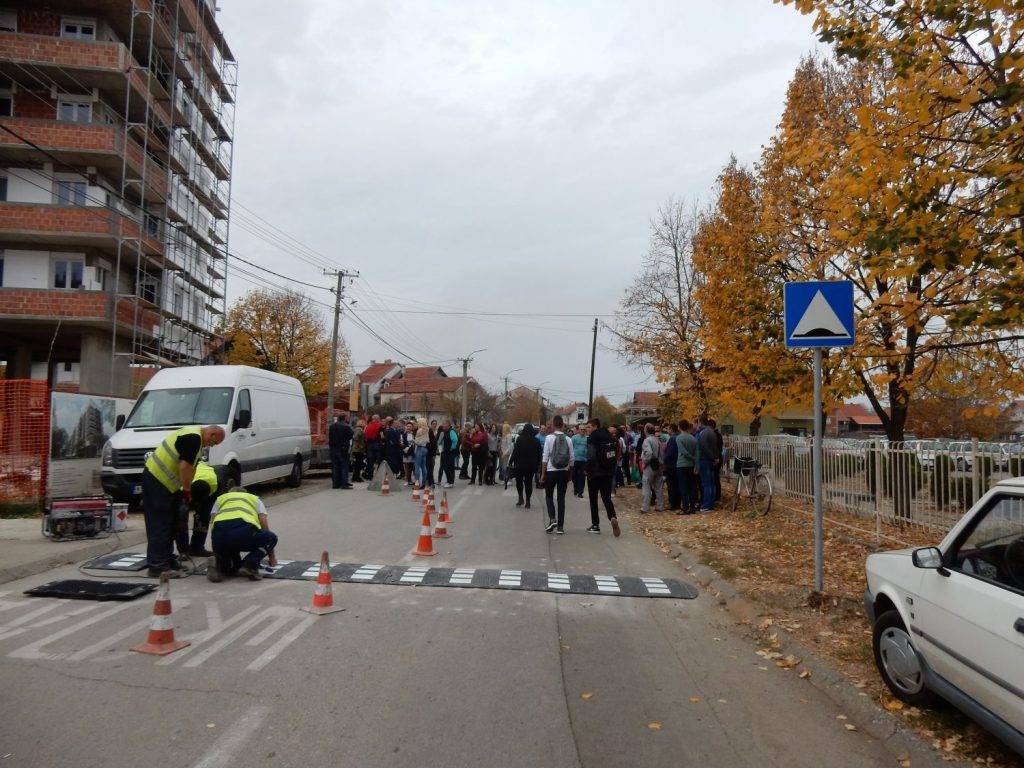 U Leskovcu se menja vertikalna signalizacija