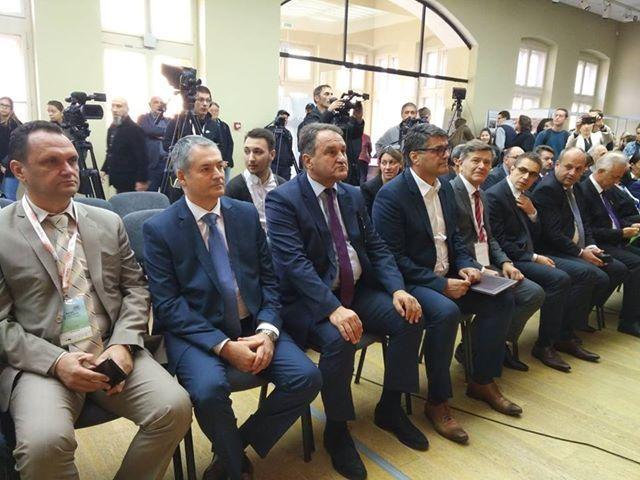 Ekonomisti: IT sektor i rast privrede od 5 i više posto od velike važnosti za razvoj Srbije