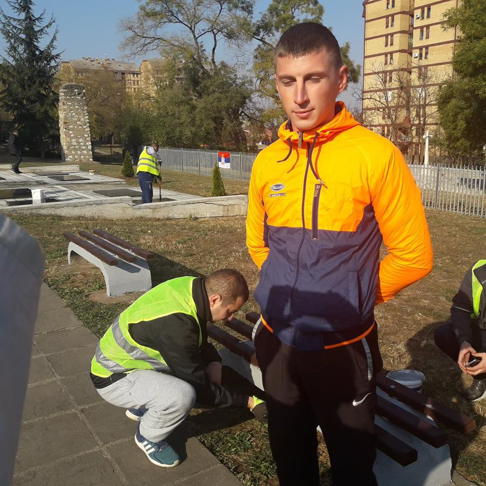 Mladi sa Delijskog visa sredili Srpsko vojničko groblje