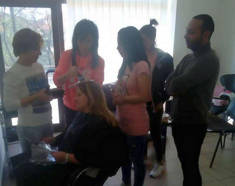 U toku besplatna obuka migranata za muškog i ženskog frizera
