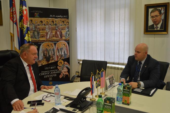 Politički oficir američke ambasade posetio Leskovac