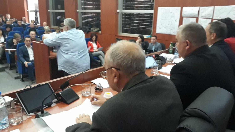 O napadu na Borka Stefanovića i u Skupštini Leskovca, ali i o nasilju, pretnjama i paljenju kuća (VIDEO)