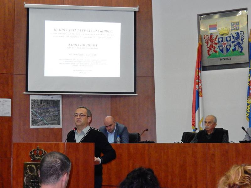 Leskovac: Građani nezainteresovani za javnu raspravu o statutu grada