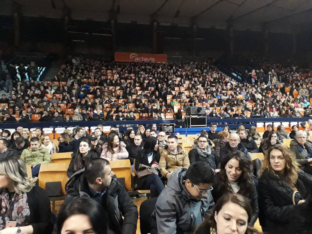 Preko hiljadu ljudi gledalo leskovačku premijeru Kralja Petra Prvog
