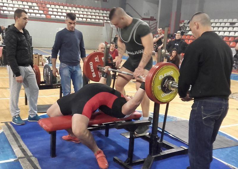 Leskovački dizači tegova pokupili 4 medalje na Međunardonom kupu u powerliftingu
