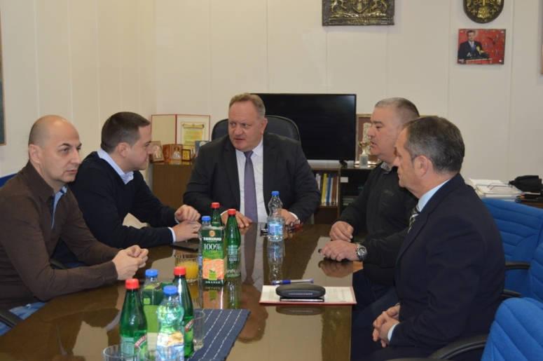 Branko Ružić daje savete Leskovčanima kako da usklade novi statut grada sa zakonom