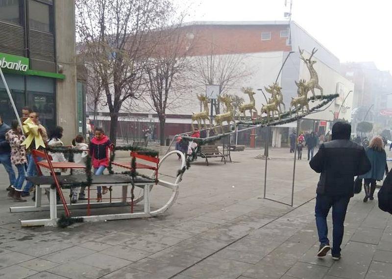 Prednovogodišnja Staza vranjskog Deda Mraza na gradskom šetalištu