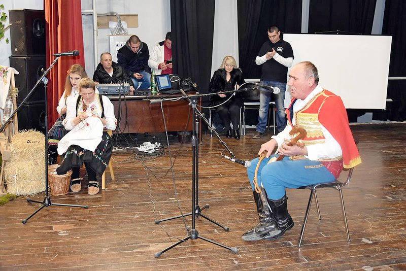 Na Večeri usmene tradicije guslari, frulaši, gajdaši i pevači