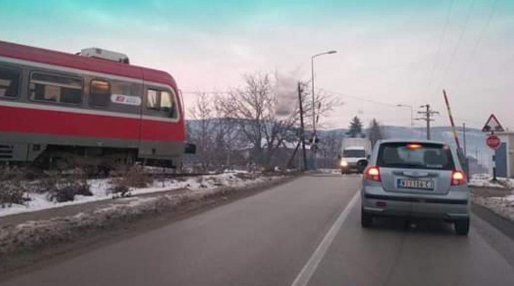 Nebezbedni i pružni prelazi sa rampama na jugu Srbije, morate da budete jako obazrivi