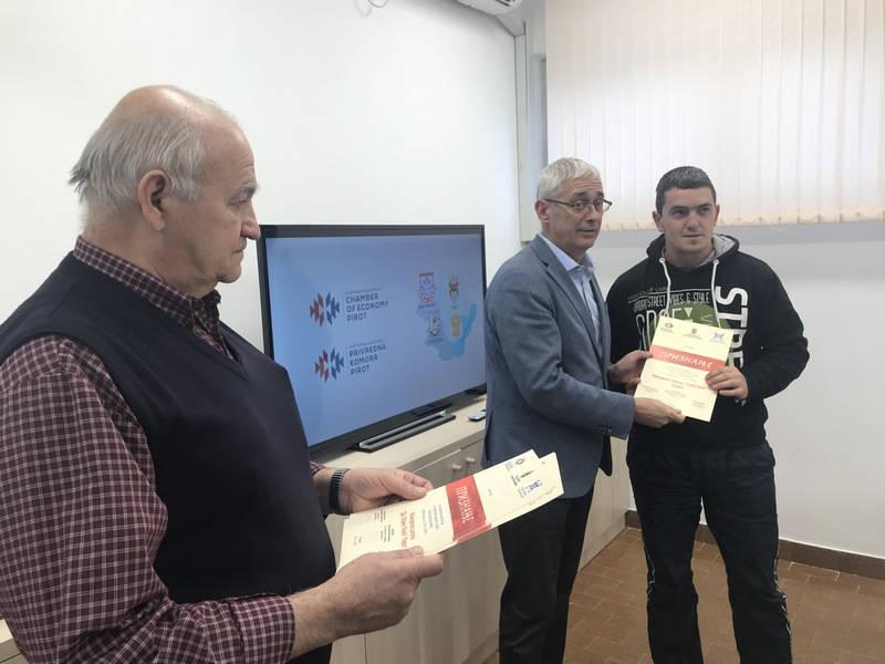 Priznanja za nastup Piroćanaca na Sajmu etno hrane i pića u Beogradu