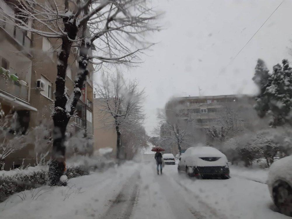 Sneg ponovo iznenadio putare usred zime