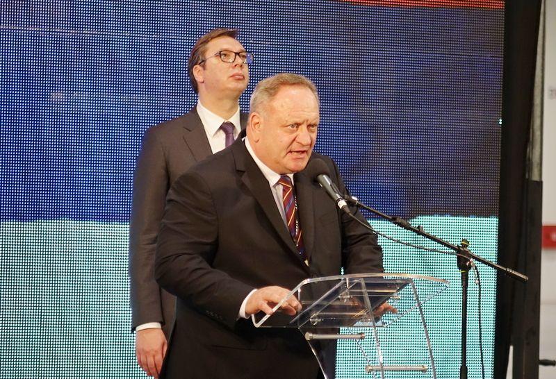 Vučić i Cvetanović: U narednih godinu i po 3.000 radnika u Aptiv pakardu