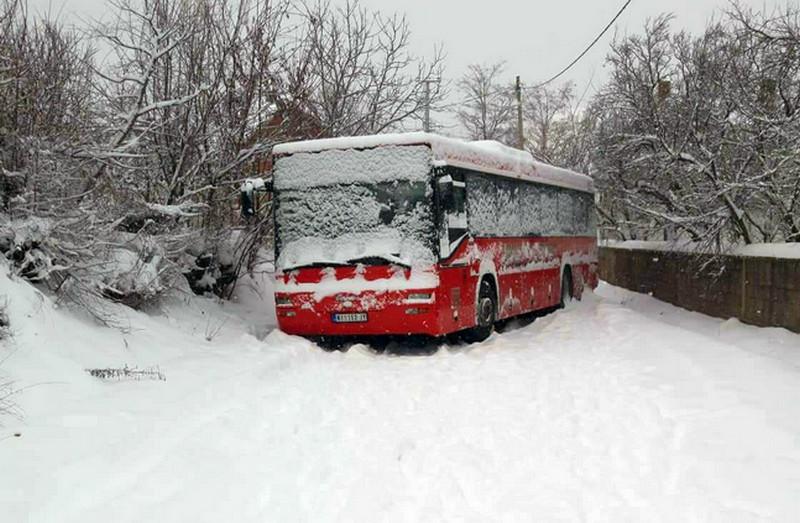 Autobus blokirao put na 35 sati, nakon pisanja medija izvučen za 10 minuta