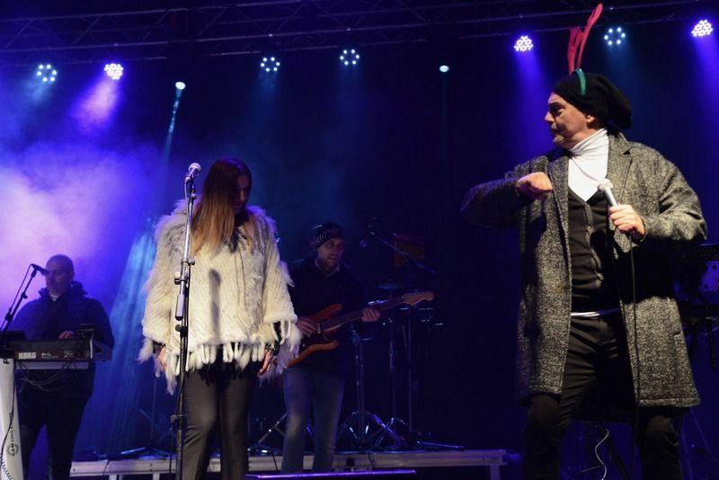 Keba i Mira pevali pred nekoliko hiljada Piroćanaca