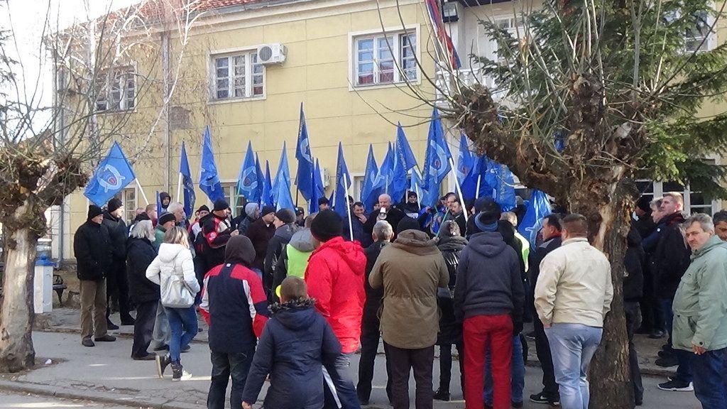 Policajci u građani zajedno na protestu u Prokuplju
