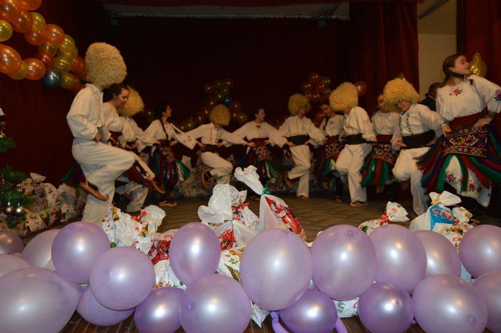 Podeljeno 700 novogodišnjih paketića u Vučju