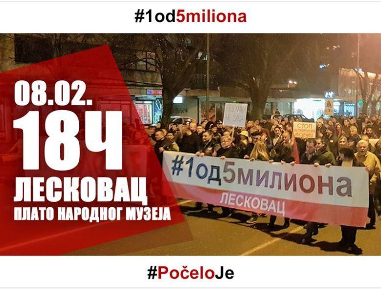 Organizatori protesta u Leskovcu traže ostavku gradonačelnika Gorana Cvetanovića i oduzimanje titule počasnog građanina Aleksandru Vučiću