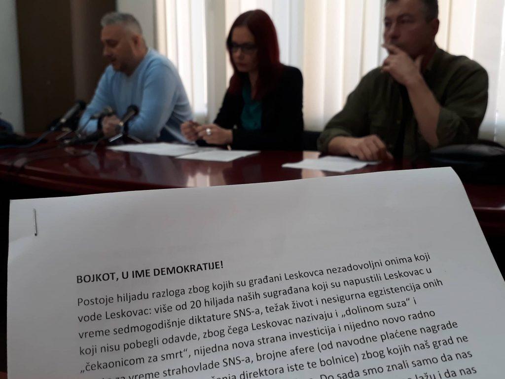 Demokrate i Dveri bojkotuju leskovačku Skupštinu: Ulica je naš parlament (VIDEO)
