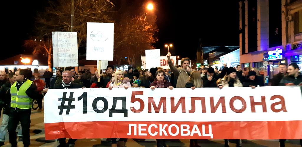 Protestanti zatražili bojkot Skupštine Leskovca (FOTO,VIDEO)