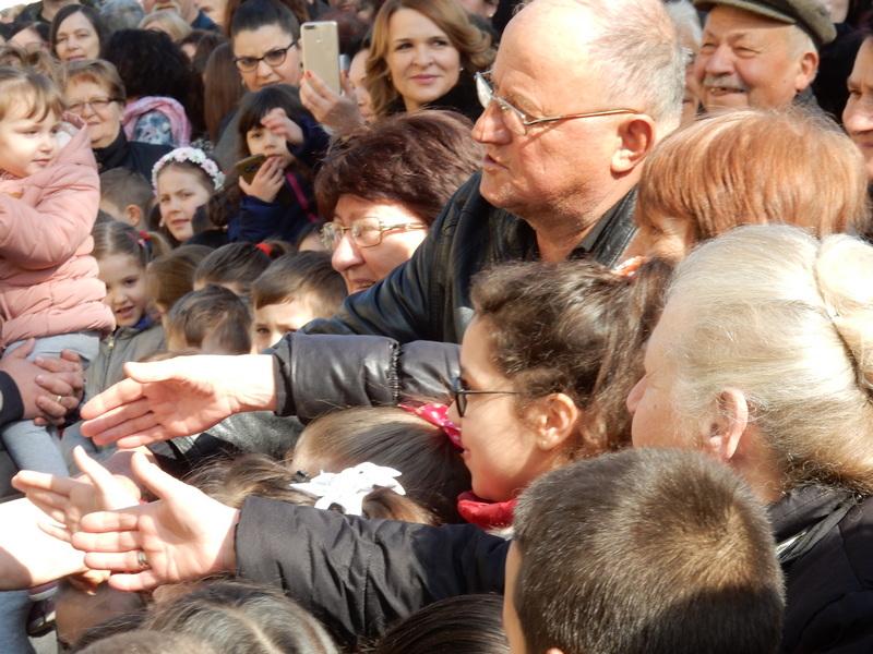 Vučić: Pravite decu, mi nestajemo, na svakih 10 godina po milion