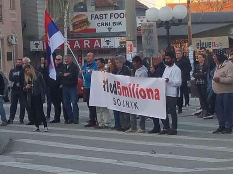 Najsmeliji na prvim protestima u Bojniku